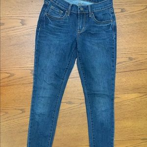 Old Navy Mid Rise Jeans size 0 Reg